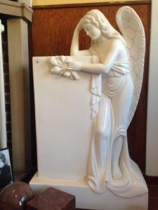 Engel in Marmor