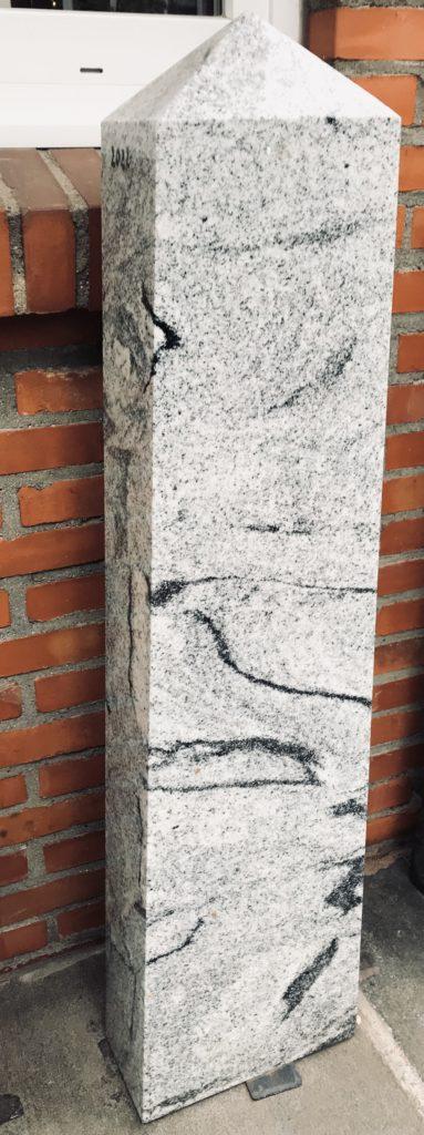 Stele aus Viscon White